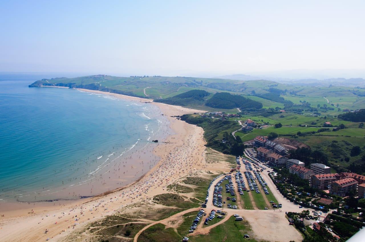 Playa de San Vicente de la Barquera (Foto de Nacho Castejón Martínez)